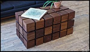 Журнальный столик из квадратов бруса